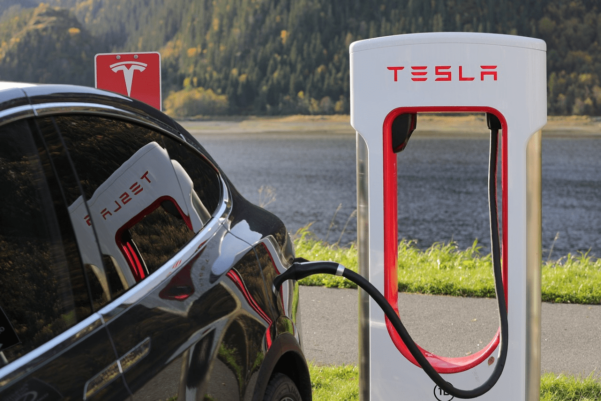 Elektromobilität: Tesla Ladestation