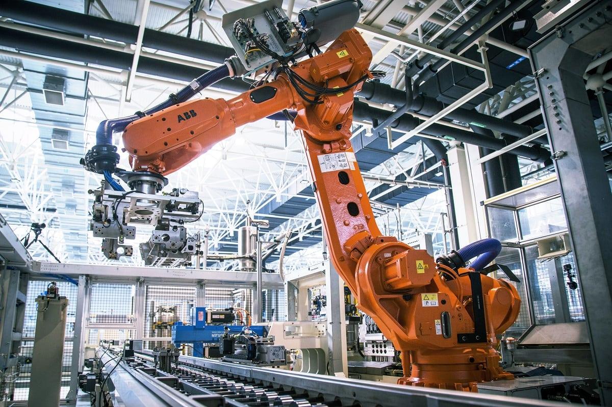Geely setzt nicht nur in Yiwu auf China Robotik. (Quelle: Geely)