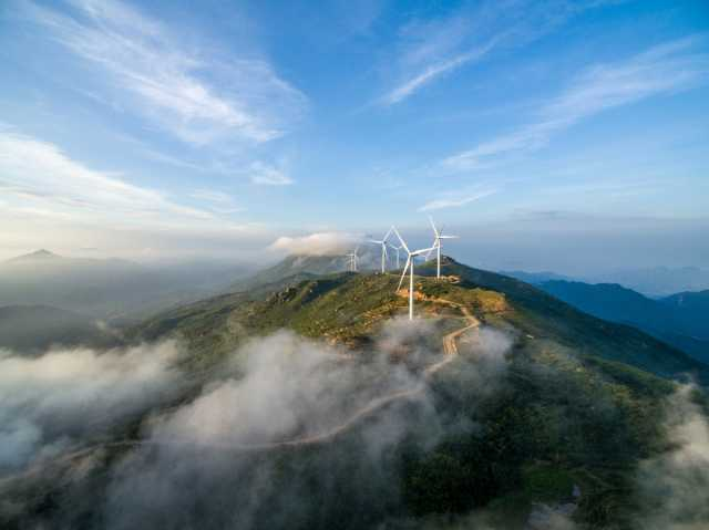 Wind energy Asia - turbines in Huashan, Jiangxi