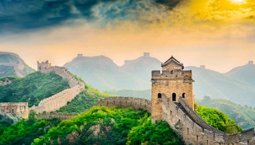 China's powerful symbol - the Great Wall - China economy
