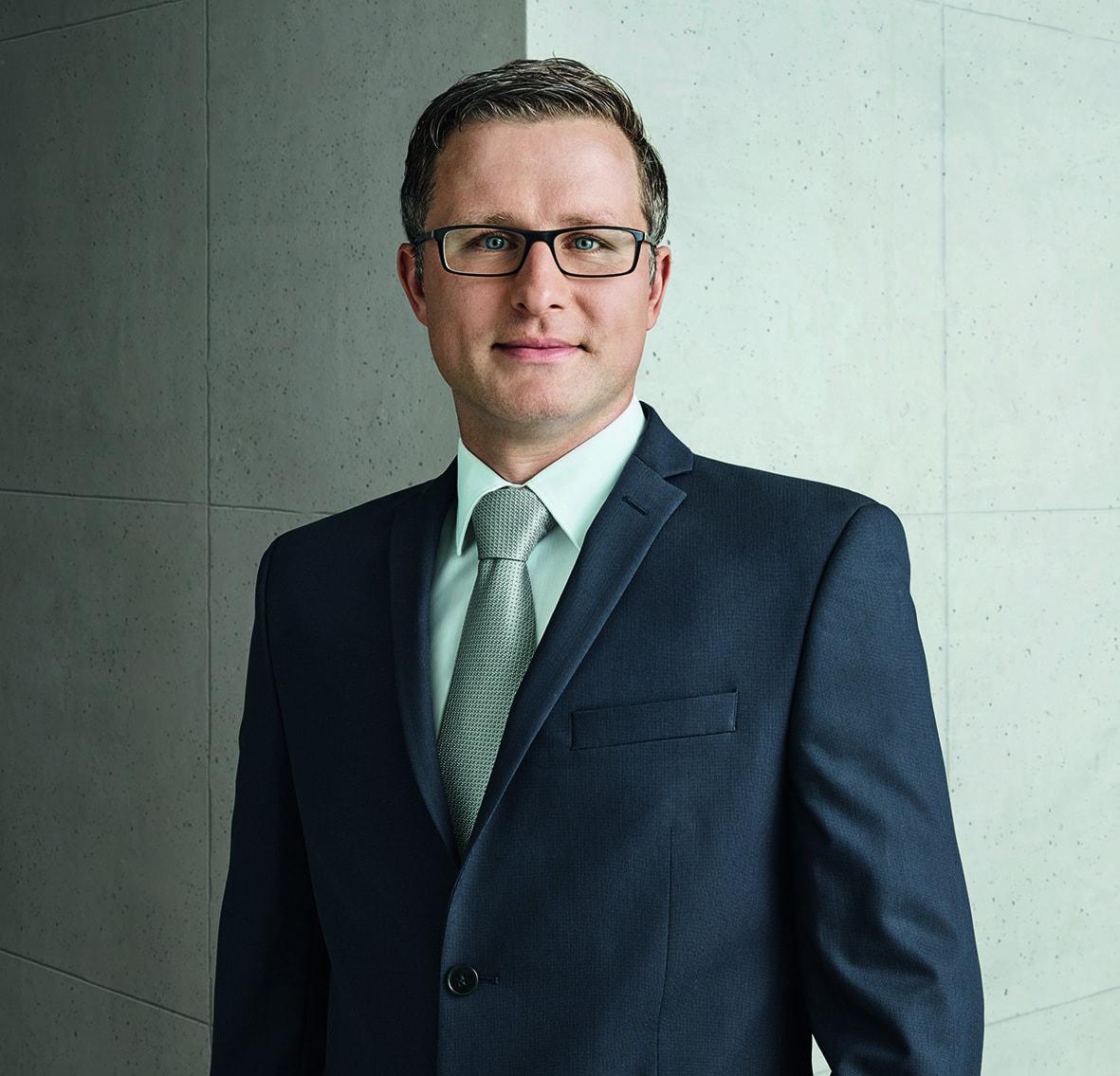 Stefan Breintner, DJE Kapital AG
