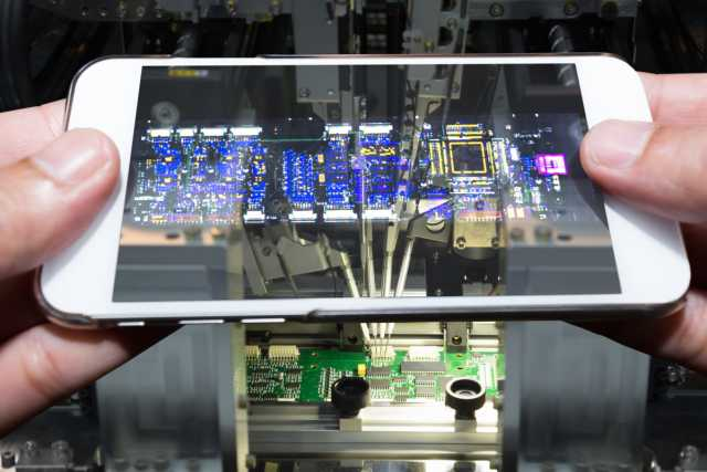 iPhone assembler rivalry - Foxconn vs. Luxshare